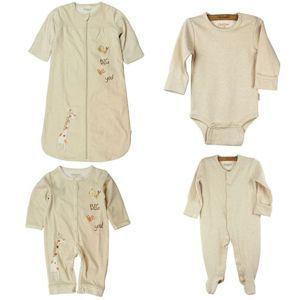 4 Jenis Bahan Pakaian Bayi yang Bikin Nyaman dan Adem Seharian