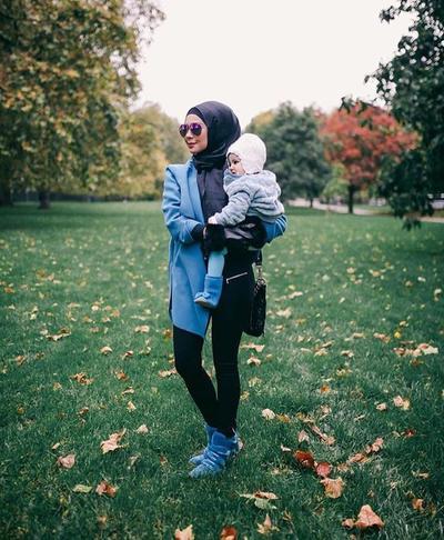 Tips Memilih Baju Muslim Yang Nyaman Dan Modis Untuk Ibu Menyusui