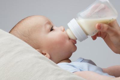 Sepele Tapi Penting, Ini Deretan Tips Cerdas Sebelum Membeli Dot Bayi
