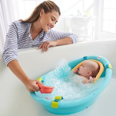 Penting! Ini 4 Hal yang Harus Dihindari Ketika Sedang Memandikan Bayi
