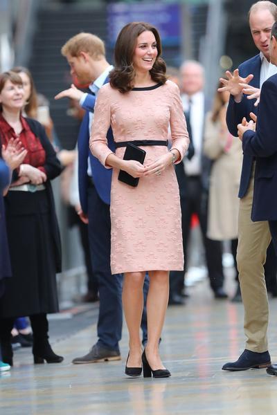 Spotted! Gaya Elegan Kate Middleton Di Kehamilan Ketiganya