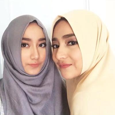 Cindy Fatika Sari dan Tengku Syaira Anataya