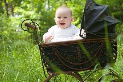 Biar Enggak Salah! Begini Cara Membawa Bayi dengan Stroller untuk Pertama Kalinya