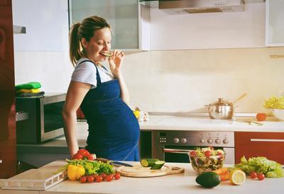 Waspada! Ini Dia Daftar Makanan Dan Minuman Pantangan Ibu Hamil