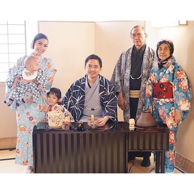 Wow, Serunya Foto Liburan Ayu Dewi Saat Di Jepang Bersama Keluarga