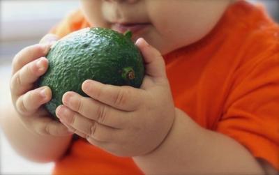 Moms, Ini Dia 5 Buah Terbaik Yang Harus Kamu Berikan untuk MPASI Pertama Bayi