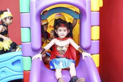 Lucunya Pesta Ulang Tahun Bilqis Anak Ayu Ting Ting Bertema Wonder Woman