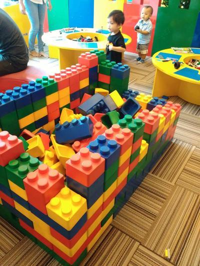 Serunya main Lego di bricks4kids Kemang