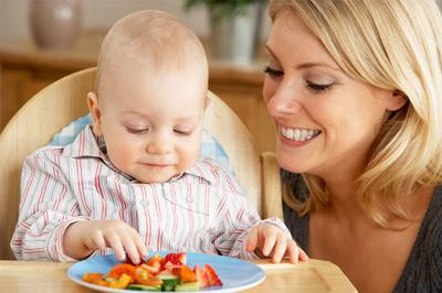 #3 Berikan makanan lembut selama anak belum memiliki gigi