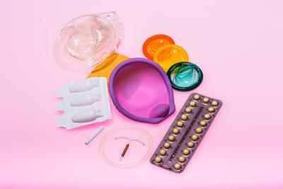 Apa Saja Sih Metode Kontrasepsi yang Digunakan Moms dan Dads Selain Kondom? Simak Di Sini!