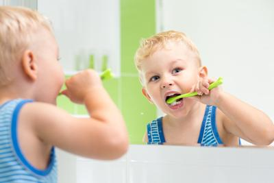 2. Rawat Gigi Anak dengan Fluoride