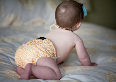 Moms, Ini Panduan Memakaikan Popok Kain untuk Bayi Baru Lahir