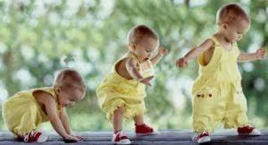 Belajar Jalan Sendiri, Push Walker atau pakai Baby Walker ya?