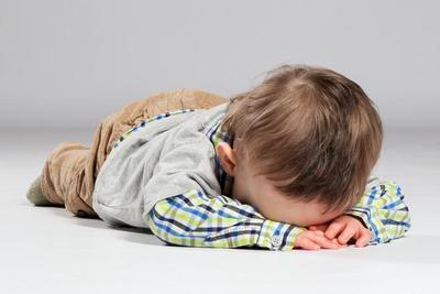 Jangan Ikutan Marah Saat Anak Tantrum