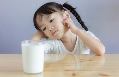 Ini Dia 4 Makanan Pengganti untuk Anak yang Alergi Susu Sapi