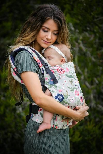Ini 4 Jenis Gendongan Bayi yang Lucu dan Bikin Gemas