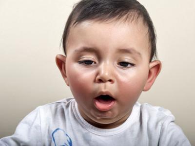 Hati-Hati! Ini Daftar Makanan Yang Berisiko Menyebabkan Anak Tersedak