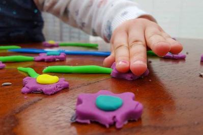 Bermain dengan Play-Dogh
