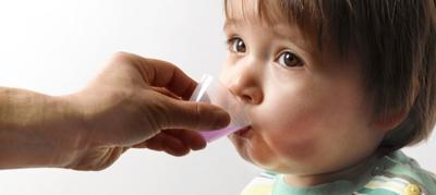Ssst! Ini Dia Tips Agar Anak Mau Minum Obat