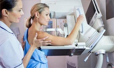 Moms, Tak Perlu Takut Tes Mammogram. Ini yang Akan Terjadi