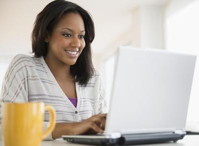 Daripada Nyinyir di Akun Gosip, Lebih Baik Gunakan Internet untuk 5 Kegiatan Seru Ini