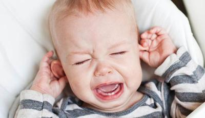 Moms, Ketahui Penyebab Infeksi Telinga pada Anak