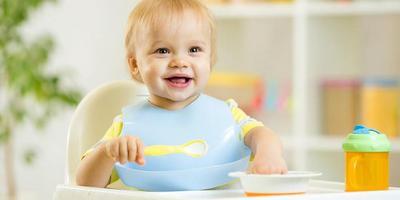 Moms, Mulailah Mendidik Anak Tentang Etika di Meja Makan Sejak Dini