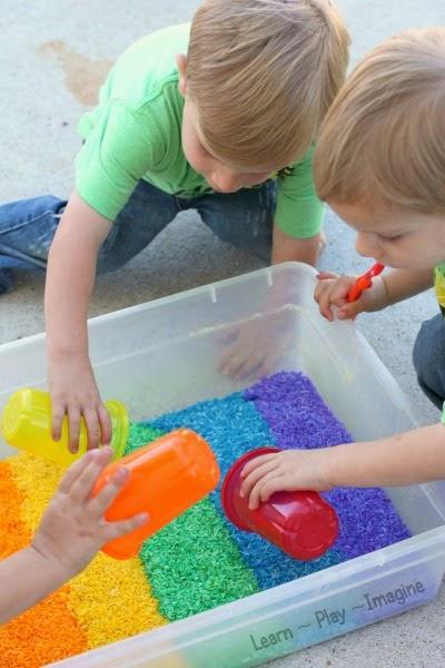 DIY Mainan Anak dari Bahan-Bahan di Dapur, Coba Yuk Moms!