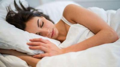 Tidur dengan Sarung Bantal Kotor