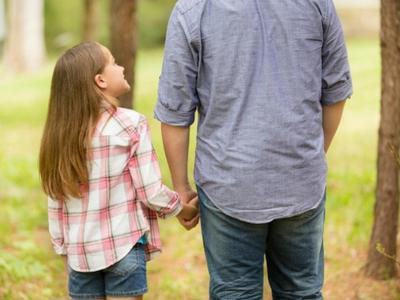 Ayah Sibuk Kerja? Ini Dia Tips Mempererat Hubungan Ayah dan Anak yang Harus DiCoba