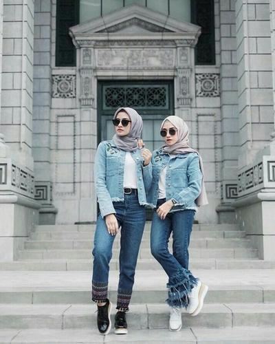 Padu Padan Jaket Jeans dan Hijab Ala Selebgram Hijabers Berikut Ini, Siap Bikin Makin Fashionable!