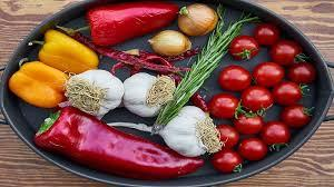 Makanan Pedas dan Mengandung Gas