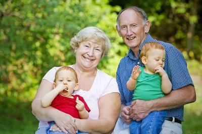 Menilik Fungsi Kakek dan Nenek dalam Pertumbuhan Psikis Anak