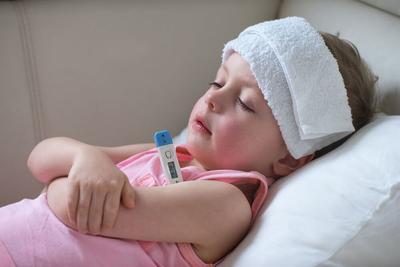 Ini 4 Hal Seputar Fakta Demam Pada Anak yang Perlu Moms Ketahui
