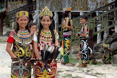 Moms, Inilah 3 Permainan Tradisional Anak Kalimantan yang Terpopuler