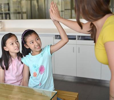 3. Nilai Bagus di Sekolah