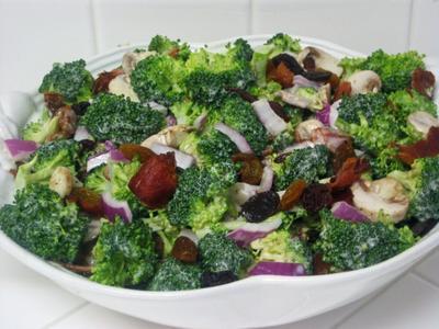 3. Salad Brokoli