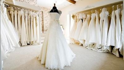 #FORUM Waktu Menikah, Brapa Kali Desain Baju Pengantin Berubah-ubah?