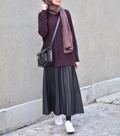 Sweater and Pleated Skirt with White Sneakers