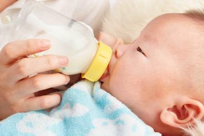 Moms, Pahami Penyebab dan Cara Mengatasi Bingung Puting Pada Bayi
