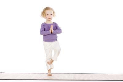 Wah, Ini Dia Manfaat Yoga untuk Anak yang Tidak Boleh Moms Lewatkan