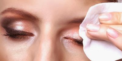 Jangan Asal, Ini Langkah Tepat Membersihkan Make Up Sampai Tuntas Hingga Tak Ada Sisa