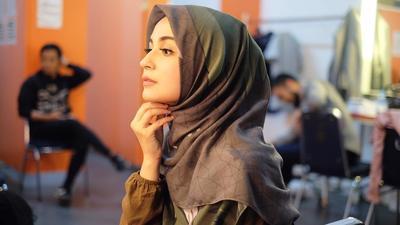 Ibu Muda Harus Lihat Gaya Shireen Sungkar yang Syar'i Namun Tetap Remaja Banget Ini!