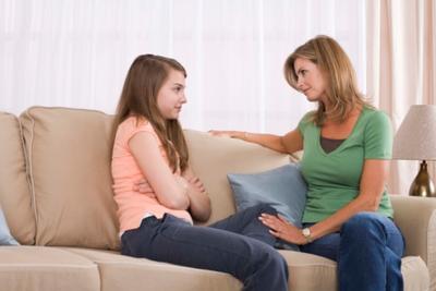 Moms, Inilah Penjelasan Tentang Menstruasi Pertama pada Anak Perempuan