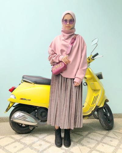 Meskipun Sudah Menjadi Ibu, Selebgram Hijabers Ini Tetap Tampil Fashionable Dengan Outfit Kekinian, Lho