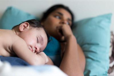 Tenang Moms, Ini Tips Jitu Atasi Baby Blues Setelah Melahirkan