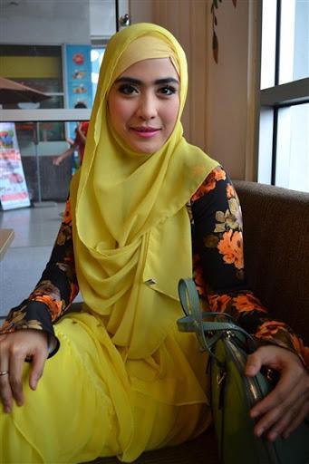 Ternyata, Model Hijab Seperti Ini Sudah Nggak Zaman Lagi, Moms!