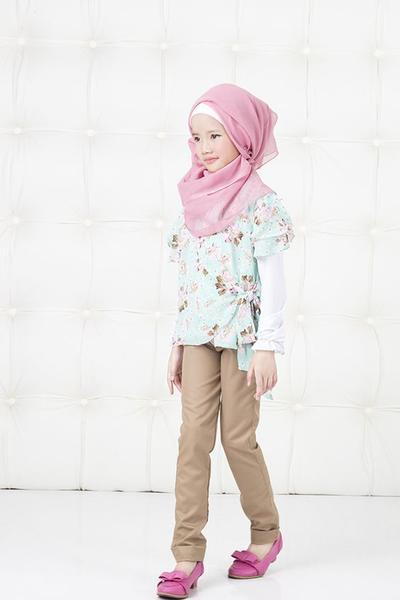 Mom, Ini Inspirasi Baju Muslimah Anak yang Cocok Dipakai Selama Ramadan
