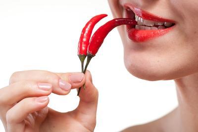 Hindari Makanan Pedas dan Makanan yang Panas