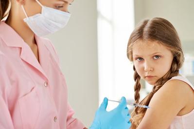 Penting! Kapan Imunisasi Sebaiknya Mulai Diberikan Pada Anak?